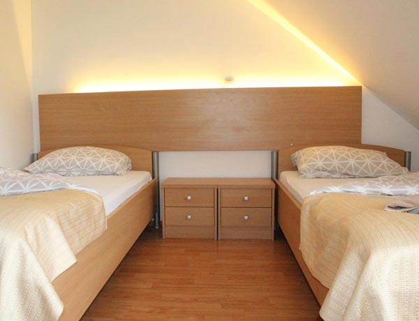 hotel-murat-dvoposteljna-soba-ptuj-slovenija-1