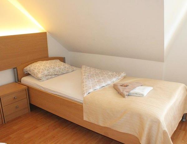 hotel-murat-dvoposteljna-soba-ptuj-slovenija-3