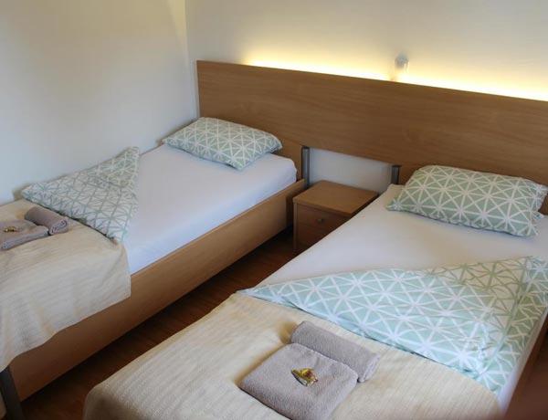 hotel-murat-dvoposteljna-soba-ptuj-slovenija-4
