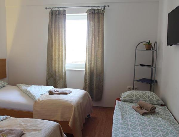 hotel-murat-dvoposteljna-soba-ptuj-slovenija-5