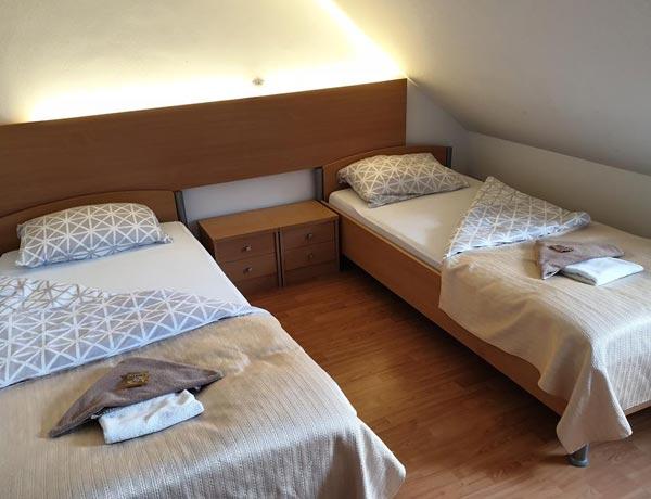 hotel-murat-dvoposteljna-soba-ptuj-slovenija-6
